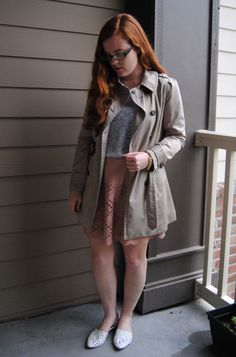 The first fall days of the trench coat. LOVE fall! { full post on http://stripedflats.com }