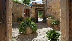Off the Grid at Finca Es Castell, Mallorca: Gardenista