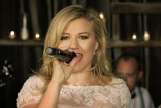 "Kelly Clarkson - ""Tie It Up"" (music video premiere) http://www.examiner.com/article/kelly-clarkson-plays-a-wedding-singer-tie-it-up-music-video"