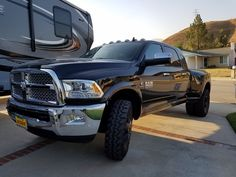"""2016 Ram 3500 Dually 35"""" tires with no lift or spacers"""