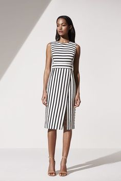 Like unique skirt cut - not sure where I'd wear this though - too fancy for my office Ann Taylor's New Creative Director Debuts a Chic Collection via Vestidos Chiffon, Dress Skirt, Dress Up, Work Fashion, Fashion Design, Curvy Fashion, Street Fashion, Fall Fashion, Fashion Beauty