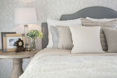 Your bed and your bedroom need to have good feng shui to support your personal energy levels. Positioning your bed for good feng shui is important. Tan Bedroom, Neutral Bedrooms, Home Bedroom, Night Bedroom, Earthy Bedroom, Master Bedroom, Bedroom Colors, Home Staging, White Furniture