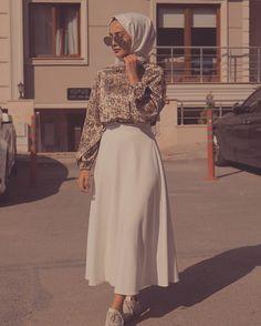 🌟 Love this Outfit ❤ 🌟 – Hijab Fashion Hijab Fashion Summer, Modest Fashion Hijab, Modern Hijab Fashion, Modesty Fashion, Hijab Fashion Inspiration, Fashion Mode, Muslim Fashion, Mode Inspiration, Street Hijab Fashion