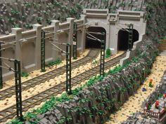 DSC01770 | por Daprilego Lego Train Tracks, Lego City Train, Lego Trains, Gare Lego, Lego Mountain, Lego Bridge, Lego Memes, Lego Winter Village, Lego Wheels