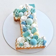 This cake is the number 1 cookie cake I've seen today! 💧💙💧💙💧 Dr… This cake is the number 1 cookie cake I've seen today! 💧💙💧💙💧 Dreamy blues, by 💎 – – – – – Number Birthday Cakes, Boys First Birthday Cake, Baby Birthday Cakes, Birthday Ideas, Number One Cake, Number Cakes, Bolo Fondant, Fondant Cakes, Gateau Baby Shower