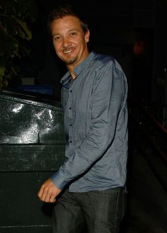 Jeremy Renner Pictures - Jeremy Renner Out and About
