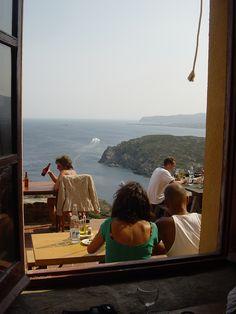 This restaurant at Cap de Creus has a great view! España