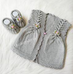 Multi Order Area 57 Baby Vest Cardigan B - Diy Crafts - maallure Baby Booties Knitting Pattern, Baby Knitting Patterns, Knitting Designs, Knit Baby Sweaters, Knitted Baby Blankets, Knitted Hats, Baby Poncho, Baby Cardigan, Vestidos Bebe Crochet