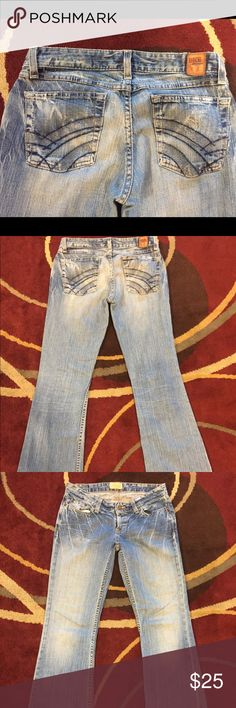 BKE Trinity/ Regular fit Jeans BKE Trinity /regular fit Jeans, purchased at the Buckle, low rise, very comfortable and soft material, medium wash, some back pocket detail, good everyday jean! Size 27 waste and 31 inch inseam, was professional hemmed at the Buckle. BKE Jeans Boot Cut