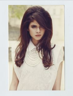 60's Hair...love this style - inspiration via blossomgraphicdesign.com #boutiquedesign