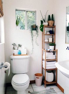 A small bathroom is not easy to design. Looking for some fresh ideas to design your small bathroom? Well, let's take a look at these small bathroom ideas! Modern Small Bathrooms, Amazing Bathrooms, Modern Bathroom, Half Bathrooms, Rustic Bathrooms, Minimalist Bathroom, Budget Bathroom, Simple Bathroom, Bathroom Ideas