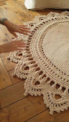 Crochet Mat, Crochet Carpet, Crochet Round, Crochet Home, Crochet Hook Sizes, Double Crochet, Single Crochet, Crochet Bedspread Pattern, Crochet Rug Patterns