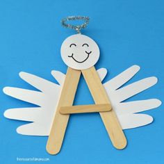"""This A is for Angel Craft is a fun, festive craft for preschoolers to reinforce learning of letter """"A"""". It will look darling hanging on your Christmas tree. Preschool Christmas Crafts, K Crafts, Bible Crafts For Kids, Angel Crafts, Spring Crafts For Kids, Toddler Crafts, Art For Kids, Fish Crafts, Plate Crafts"""