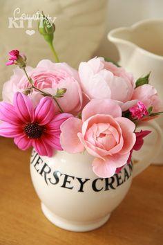 Homegrown flowers to say.. ♥✫✫❤️ *•. ❁.•*❥●♆● ❁ ڿڰۣ❁ La-la-la Bonne vie ♡❃∘✤ ॐ♥⭐▾๑ ♡༺✿ ♡·✳︎·❀‿ ❀♥❃ ~*~ FR May 20th, 2016 ✨ ✤ॐ ✧⚜✧ ❦♥⭐♢∘❃♦♡❊ ~*~ Have a Nice Day ❊ღ༺ ✿♡♥♫~*~ ♪ ♥❁●♆●✫✫ ஜℓvஜ