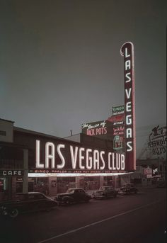 Las Vegas Club (ca. 1949), relocated here from across the street, building the tallest neon sign in town. Via the Manis Collection at UNLV