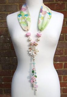 Japanese Fabric Necklace…hmmm, wonder if I could make one of these?