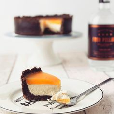 We love gin and we love cake, so the idea of combining the two is almost overwhelming. The gorgeous blogger behind The Gin Baker recently shared a...