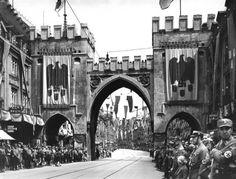 """Karlstor am """"Tag der Deutschen Kunst"""", 10. Juni 1938"""