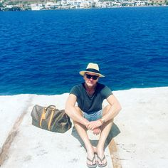 Mocht er een competitie zijn voor de meest azuurblauwe zee dan wint het eiland Amorgos met vlag en wimpel. Dit is de tweede stop van de island hopping trip van Fred en meteen zijn langste.