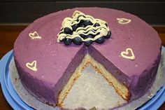 Meillätuli mieheni kanssa 31.7.2014 10v. hääpäivä jonka kunniaksi kehittelin meille kakku reseptin. Ja olen erittäin tyytyväinen resepti...