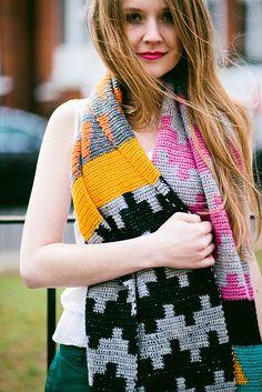 Ravelry: Lessons in Geometry pattern by Kat Goldin #crochet #scarf #geometric #tapestrycrochet
