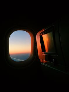 See more of vsco grid. Airplane Photography, Amazing Photography, Travel Photography, Airplane Window, Airplane View, Sky Aesthetic, Travel Aesthetic, Travel Pictures, Travel Photos