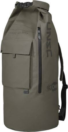 Musterbrand Halo Dry Bag Unsc Top-loader Green One size Bag can be easily accessed through top opening and side zip Heavy duty bag with robust water-proof tarpoulin fabric and seams Huge UNSC logo prints Best Ultralight Backpack, Waterproof Backpack, Leather Projects, Tactical Gear, Luggage Bags, Backpack Bags, Travel Bags, Bag Accessories, Clothing Accessories