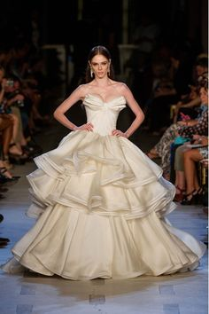 ZAC POSEN is preparing to make his bridal debut. The designer is creating his first wedding dress collection, to be sold exclusively via US store David's Bridal.