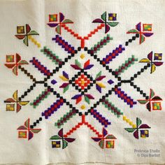 Star Patterns, Initials, Diy And Crafts, Old Things, Kids Rugs, Towels, Elsa, Cross Stitch Embroidery, Rugs
