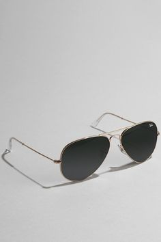 Can't go wrong -- the Ray Ban original aviator sunglasses. #urbanoutfitters