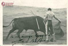 Fotografía del torero Juan Belmonte toreando dedicada a GMM | Flickr: Intercambio de fotos