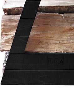 Puunkantoteline, musta Korn, Butcher Block Cutting Board