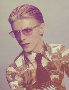 Bowie, 1975.  MAN WHO FELL TO EARTH -- man, that was good.  He shoulda acted more. But he liked to play with his friends in Berlin, and write songs, rather than the rigid schedule of film making. So much WAITING AROUND when making films.