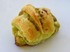 Croissants apéro au pesto , coppa et comté
