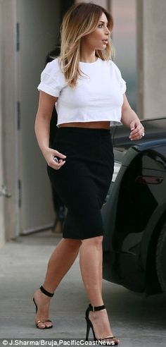 Loving this pencil skirt high waisted skirt with a hobo crop top