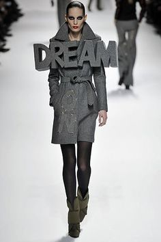 Viktor & Rolf Fall 2008 Ready-to-Wear Collection Photos - Vogue