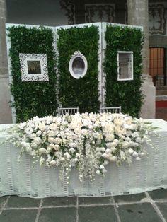 www.gardennearthegreen.com Mesa de novios