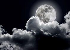 Pełnia księżyca w mojej sypialni?... i już nie zasnę :))
