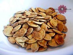 Roasted Pumpkin Seeds- Family Favorite Recipe and DIY Tutorial #pumpkinrecipes