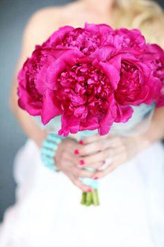 fuchsia bouquet - brides of adelaide magazine