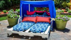 Pallet Outdoor Furniture Orly Shani is getting you ready for summertime with this summer pallet cabana. Home And Family Crafts, Home And Family Hallmark, Diy Furniture, Outdoor Furniture, Outdoor Decor, Outdoor Pallet, Outdoor Cabana, Hallmark Homes, Outdoor Daybed