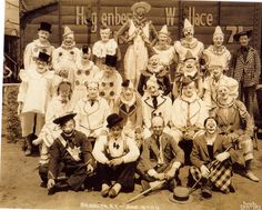 """ALTERNATE PHOTO FOR  """"JENNIE WARD BODY"""" ON TOP OF PAGE 2? Hagenbeck-Wallace Circus Clowns"""