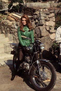 Ann Margaret   Love this green leather jacket!