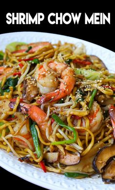 This is the BEST Shrimp chow mein recipe you will find online, hands donw! So easy to make at home . Fish Recipes, Seafood Recipes, Asian Recipes, Cooking Recipes, Seafood Noodle Recipe, Tai Food Recipes, Oriental Recipes, Vegetarian Recipes, Seafood