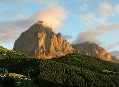 Selva Val Gardena - Sassoloungo e Sassopiatto (Dolomiti) al tramonto