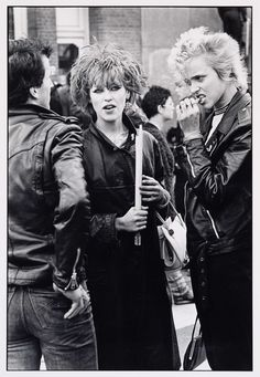 Punkmeiden op het Rokin in Amsterdam, Catrien Ariëns, 1980