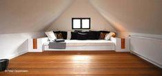 Dachbodenausbau oder Lounge mit Bankieraihochterasse und Schlafsofalösung