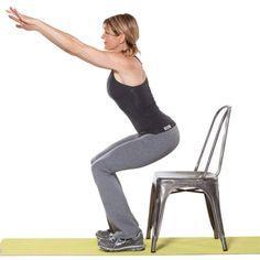 Exercício de sentar e levantar da cadeira que pode ser feito em casa