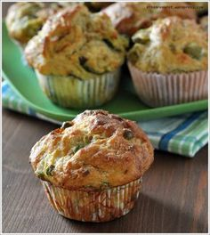 The Green Muffins Breakfast Snacks, Breakfast For Dinner, Real Food Recipes, Cooking Recipes, Tasty, Yummy Food, Simply Recipes, Mini Muffins, Food Humor