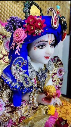 Radha Krishna Love, Radhe Krishna, Lord Krishna Hd Wallpaper, Lord Krishna Images, Laddu Gopal, Krishna Painting, Cute Photography, Beautiful Gif, Shiva